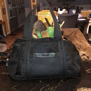 Lululemon black gym bag medium gym bag size